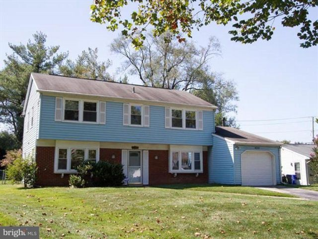 4 BR,  2.50 BTH  Split-level style home in Bowie
