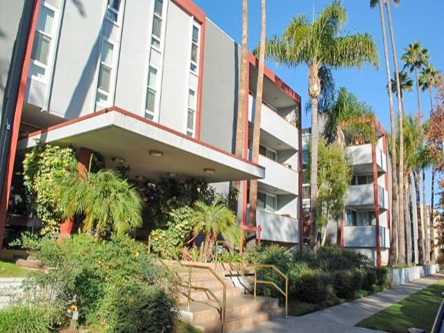 1 BR,  1.00 BTH  style home in Sherman Oaks