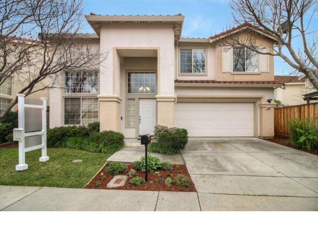 5 BR,  3.00 BTH 2 story style home in Santa Clara