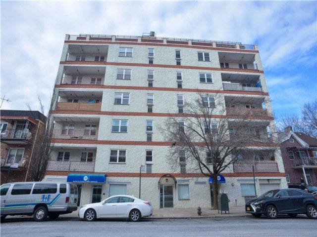 [Bensonhurst Real Estate, listing number 6860525]