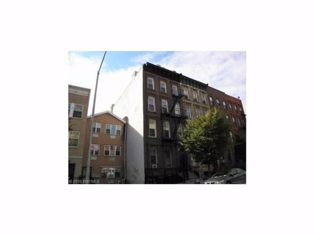 8 BR,  8.00 BTH Multi-family style home in Bedford Stuyvesant
