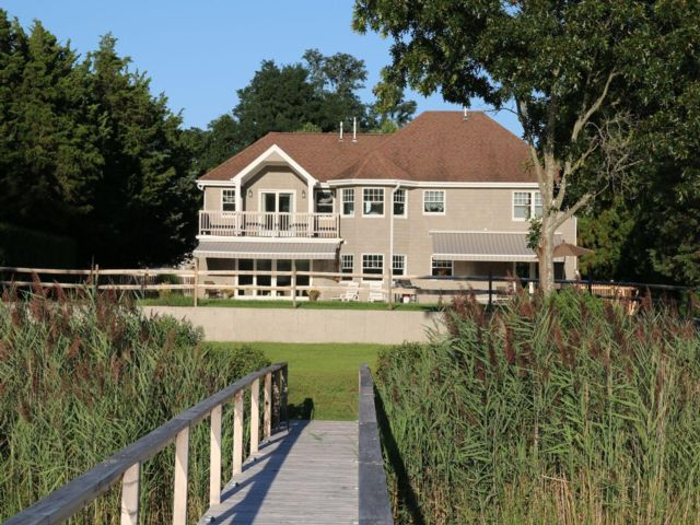 5 BR,  4.00 BTH Traditional style home in Sag Harbor