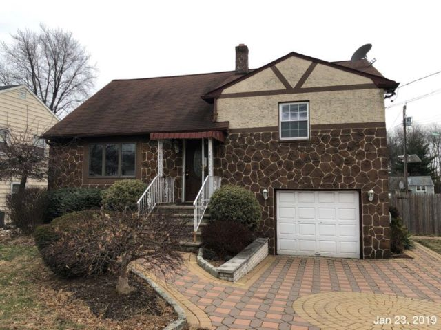 3 BR,  2.00 BTH  Cape style home in Union