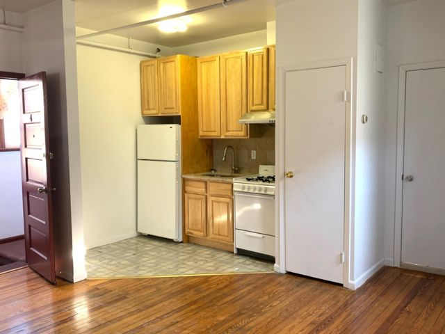 [Howard Beach Real Estate, listing number 6865215]