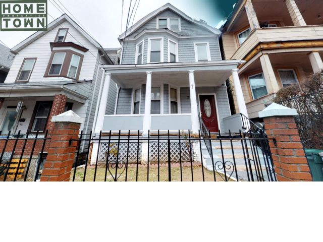 6 BR,  4.00 BTH   style home in Staten Island