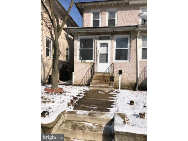 2 BR,  1.00 BTH Colonial style home in Delair