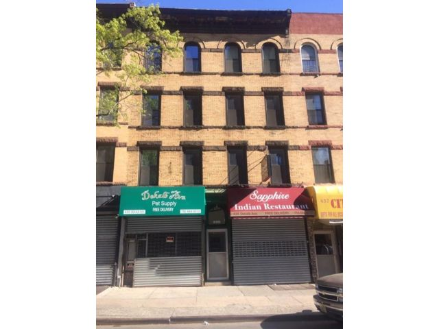 18 BR,  8.00 BTH  Other style home in Brooklyn