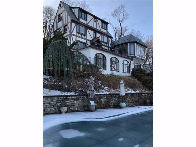 4 BR,  4.50 BTH  Tudor style home in Nyack