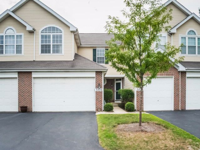 2 BR,  2.50 BTH Condo style home in Rolling Meadows