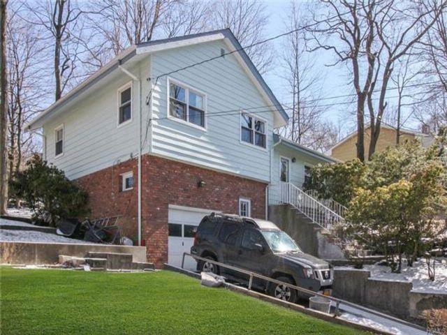 3 BR,  2.00 BTH Split level style home in Ardsley