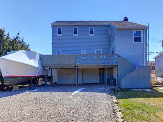 [Oak Beach Real Estate, listing number 6871468]
