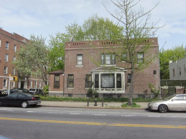 3 BR,  2.00 BTH  2 story style home in Brooklyn