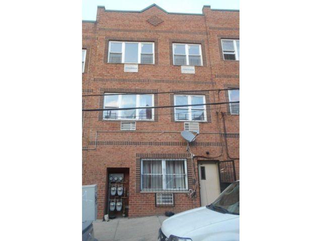[Woodmere Real Estate, listing number 6877143]