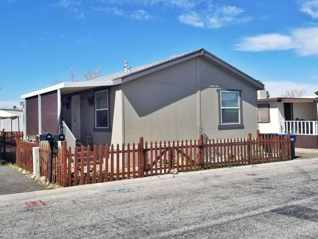 2 BR,  3.00 BTH Mobile home style home in Henderson