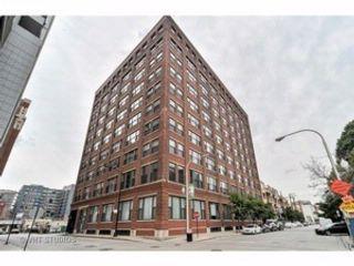 3 BR,  3.50 BTH Condo style home in Chicago