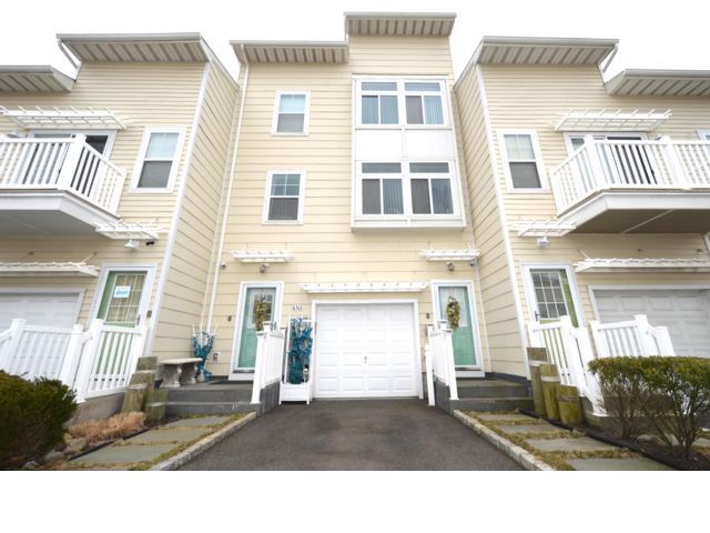 4 BR,  3.55 BTH   style home in Arverne By The Sea