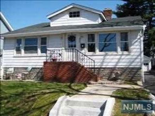 3 BR,  1.00 BTH  Ranch style home in Hasbrouck Heights