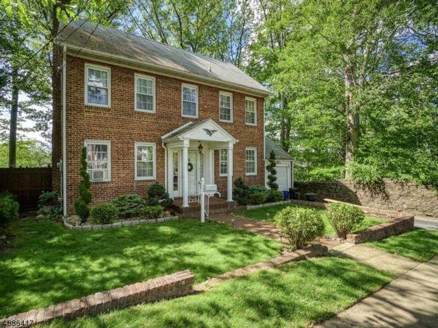 [Belleville Real Estate, listing number 6881389]