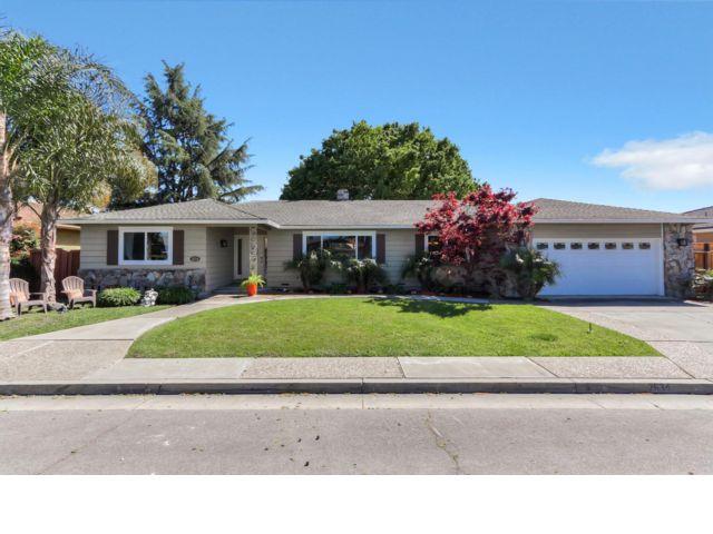 4 BR,  2.50 BTH Ranch style home in Santa Clara