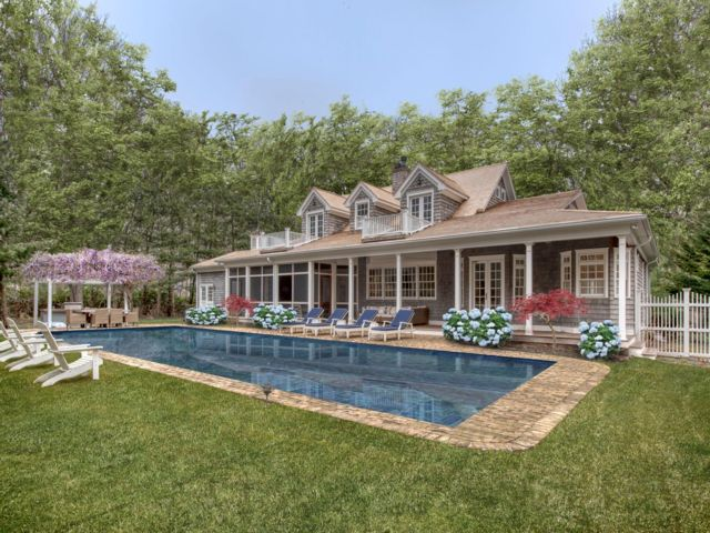6 BR,  6.50 BTH  Traditional style home in Sag Harbor