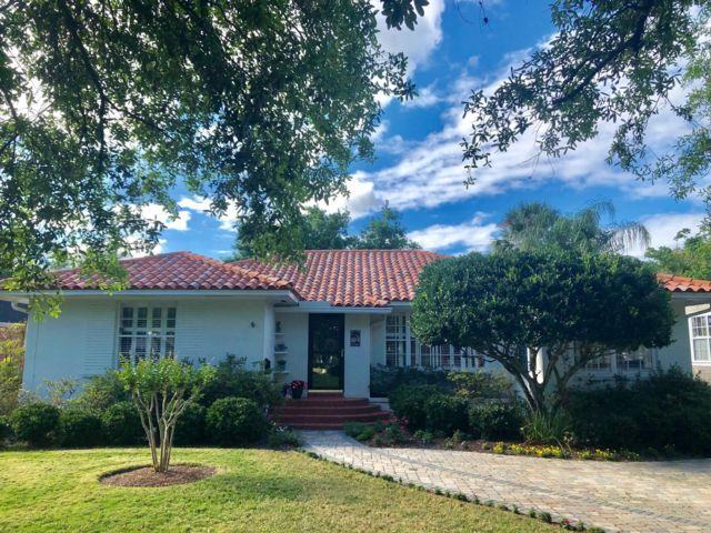 3 BR,  2.50 BTH Ranch style home in Jacksonville
