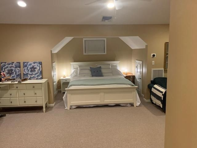 1 BR,  1.00 BTH  style home in Valley Cottage