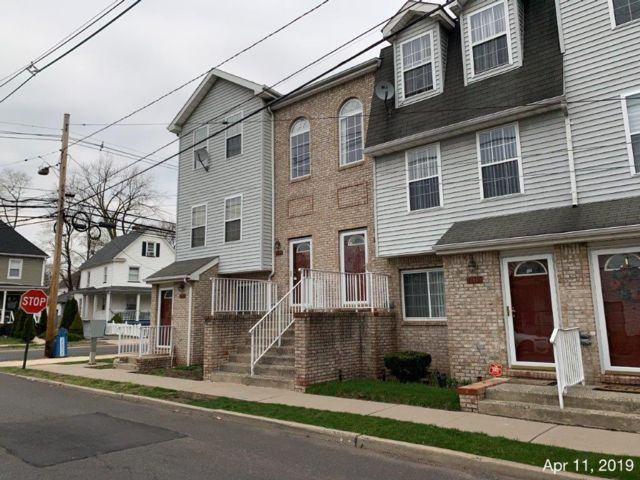 2 BR,  1.00 BTH  Townhouse style home in North Plainfield