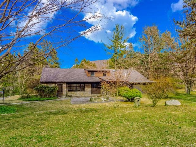 4 BR,  3.00 BTH Other/see remar style home in Putnam Valley