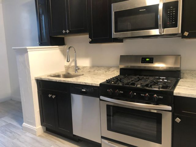 [Glendale Real Estate, listing number 6883897]