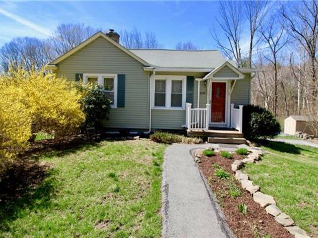 3 BR,  1.00 BTH Capecod style home in Circleville