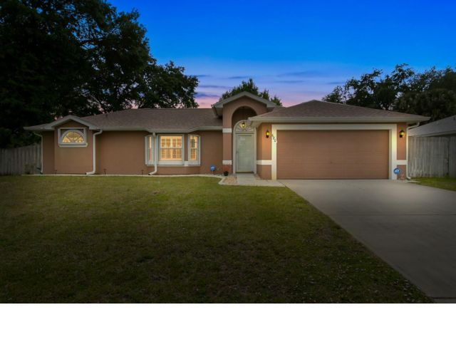 3 BR,  2.00 BTH Contemporary style home in Melbourne