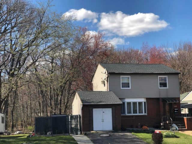 3 BR,  1.55 BTH Colonial style home in Annadale