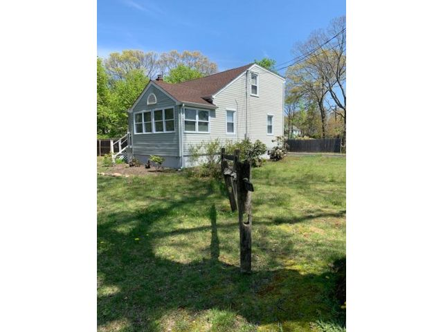 3 BR,  2.00 BTH  Colonial style home in Port Jefferson Station