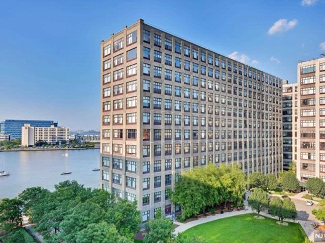 [Hoboken Real Estate, listing number 6886110]