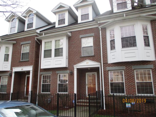 3 BR,  2.50 BTH  Townhouse style home in East Orange