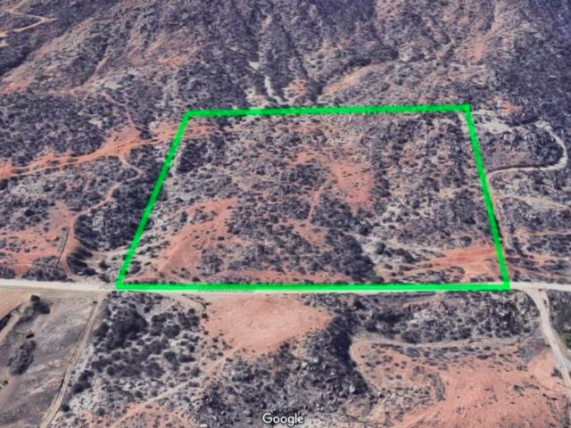Lot <b>Size:</b> 9.92 Land style home in Perris