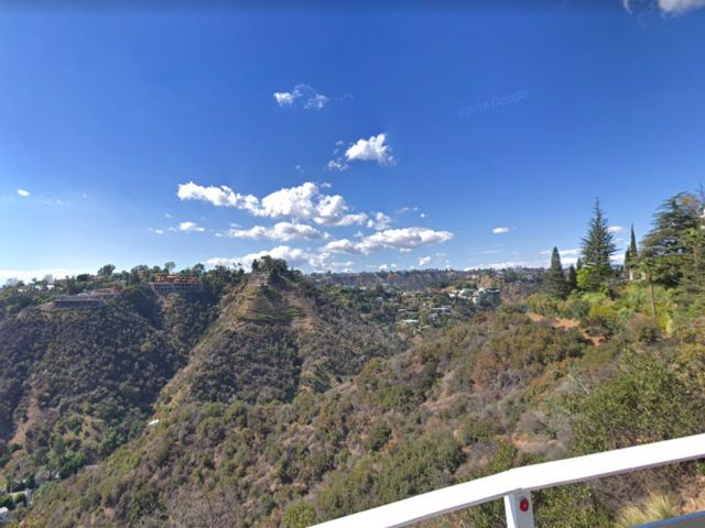 Lot <b>Size:</b> 0.06 Land style home in Bel Air