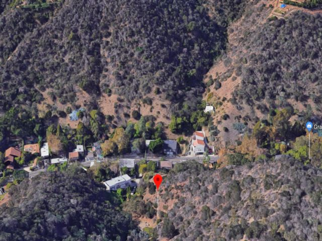 Lot <b>Size:</b> 0.08 Land style home in Bel Air