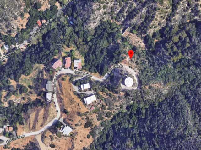 Lot <b>Size:</b> 0.07  Land style home in Tujunga