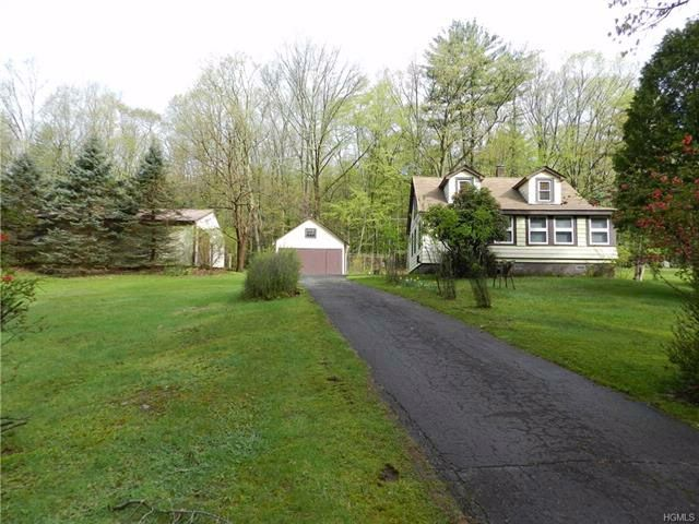 3 BR,  2.00 BTH  Cape style home in Wawarsing