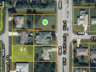 Lot <b>Size:</b> 0.23 Land style home in Port Saint Lucie