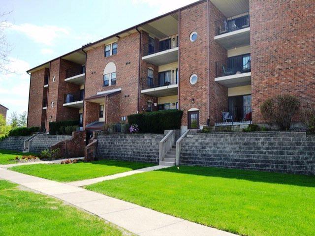 2 BR,  2.00 BTH Condo style home in Buffalo Grove