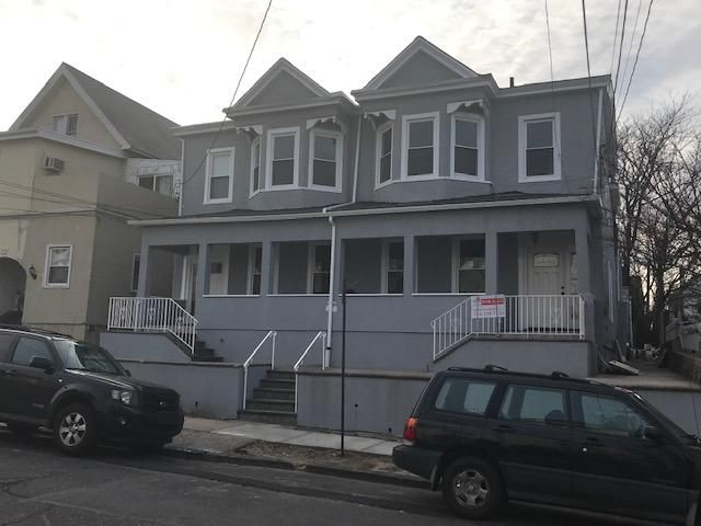 6 BR,  5.50 BTH 2 story style home in Mount Vernon