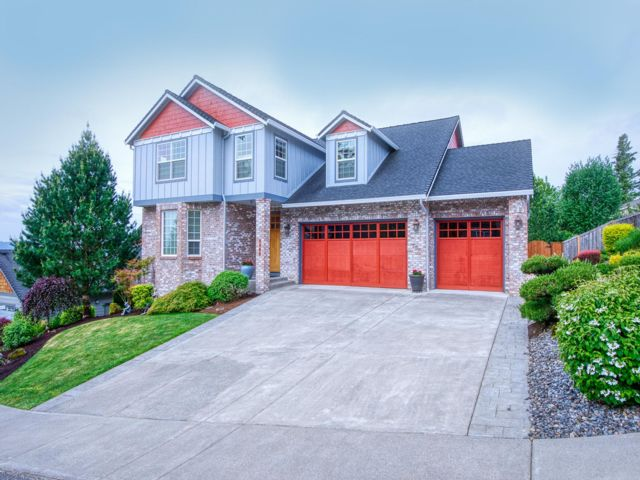 4 BR,  2.50 BTH Craftsman style home in Washougal