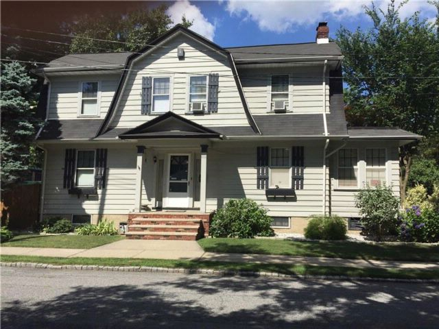 3 BR,  2.00 BTH  Single family style home in Westerleigh