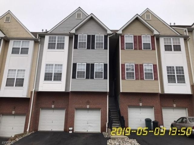 2 BR,  2.00 BTH 2 story style home in Lebanon