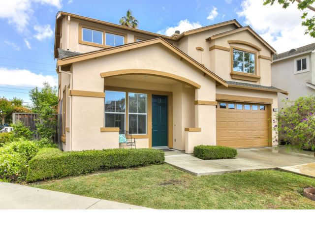 3 BR,  2.50 BTH 2 story style home in Sunnyvale