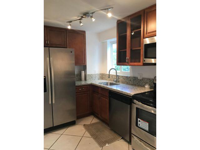 2 BR,  2.00 BTH Homeownr style home in Miami