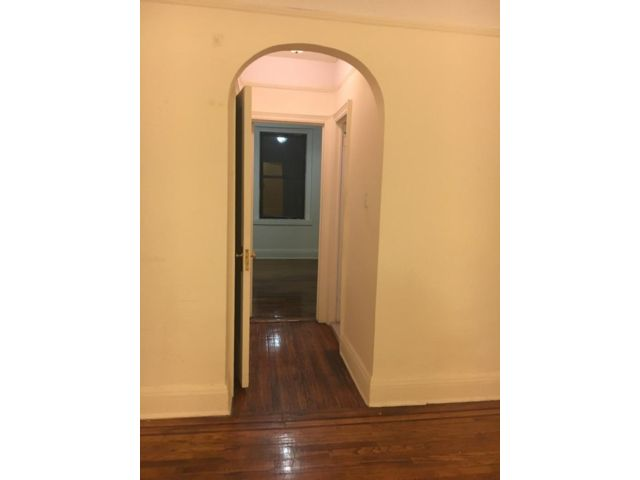 1 BR,  1.00 BTH Apartment style home in Sunnyside
