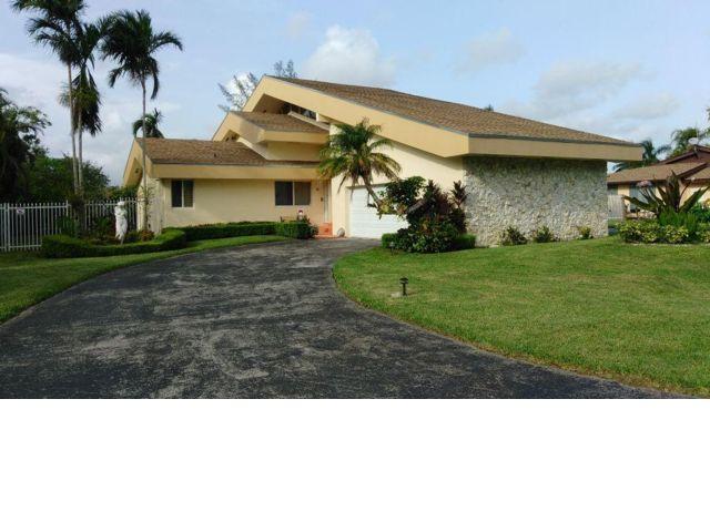 4 BR,  2.50 BTH  style home in Miami